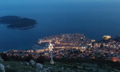 城壁に囲まれたドゥブロヴニク、やはり旧市街に泊まりたい(バルカン半島旅その8)