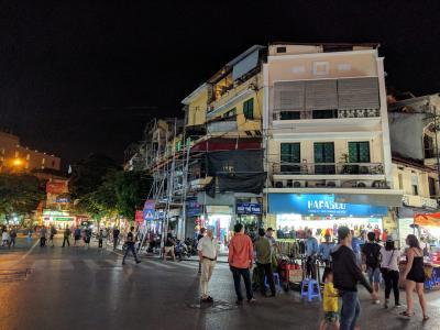 初めてのベトナム  ビジネスクラスで行くハノイ JMBツアーにて