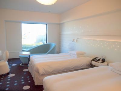 ヒルトン東京ベイ セレブリオルーム宿泊 イクスピアリ ロティズ・ハウスで舞浜地ビール飲み比べ