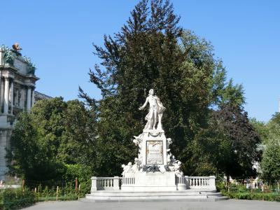 ウィーン【モーツァルト像】