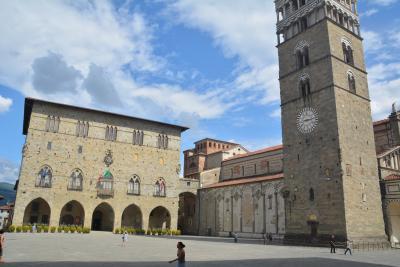 フィレンツェから中世の面影の街 ピストイア
