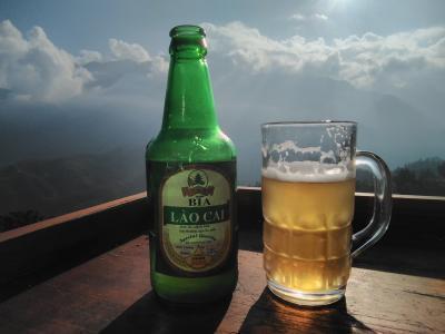 バックハーからサパまで、バスの旅(*_*)/  ラオカイビールで乾杯(^_^)///