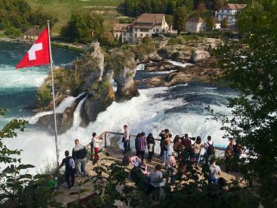 シャフハウゼンから迫力の「ラインの滝」へ