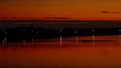 早朝散歩 瑞ヶ池の日の出 上巻。