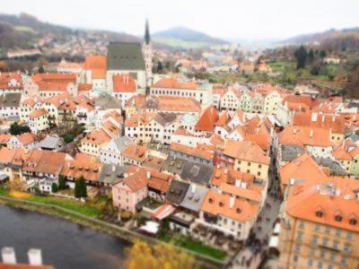 【ひとり旅のプラハ5泊7日】 #5 プラハから日帰りでチェスキークルムロフへ、そしてカフェルーヴルで夜カフェ