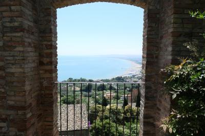 美しき南イタリア旅行♪ Vol.532(第19日)☆美しきヴァスト宮殿「Palazzo D'Avalos」庭園 優雅な景色♪