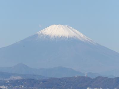 江の島弁天橋から見る富士山