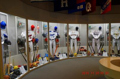 【東京散策92-1】 東京ドーム野球殿堂博物館と隣にある紅葉にはまだ早い小石川後楽園を周ってみた《野球殿堂管博物館》