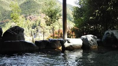 奥吉野  湯盛温泉から吉野行宮へ 歴史と紅葉をおって
