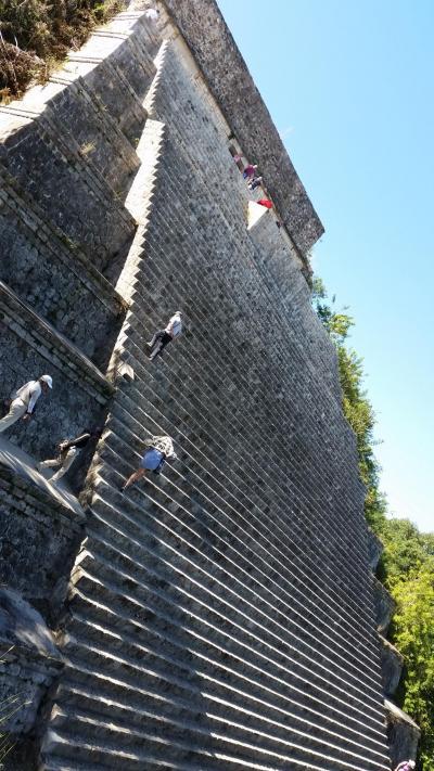メキシコが誇る7つの世界遺産と感動の地巡り 4日目の1 ウシュマル遺跡