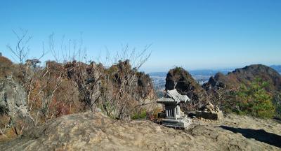 間近に見る妙義山岩壁は凄い!