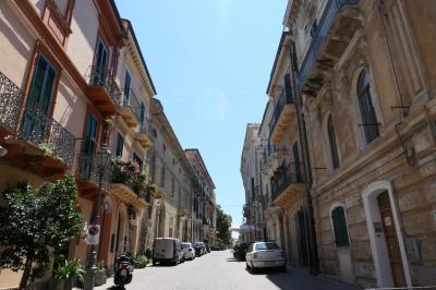 美しき南イタリア旅行♪ Vol.541(第19日)☆オルトーナ旧市街から古城へ歩く♪