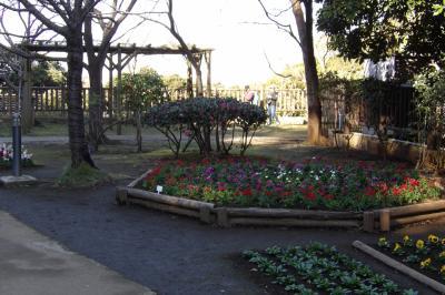 江の島中津宮広場