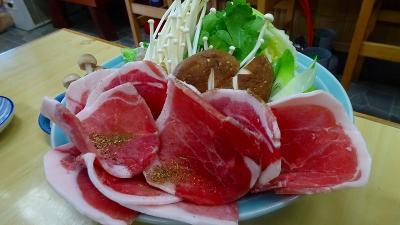 丹波篠山の紅葉狩り 昼食は、「みたけ」のボタン鍋。