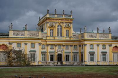 ポーランドハイライト8日間★ワルシャワ3連泊 その1 ショパンゆかりの地とヴィラヌフ宮殿ワジェンキ公園