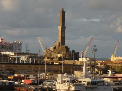 MSC Seaviewはジェノヴァに寄港。港からツェントロまで歩いていきました。