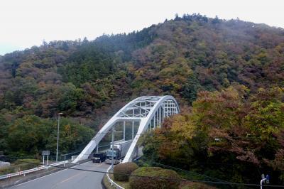 ⑰高尾山健康登山(16) 景信山ー小仏城山ー相模湖 紅葉は