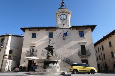 美しき南イタリア旅行♪ Vol.612(第21日)☆イタリア美しき村ペスココスタンツォ:朝の風景Piazza Municipio♪