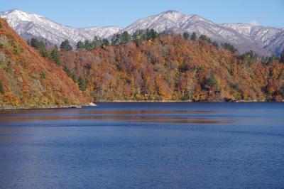 国道352号線を経て、奥只見湖へ。最高の紅葉の真っ只中!