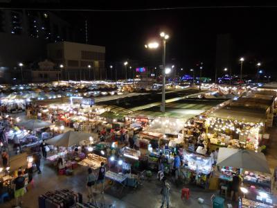 初めてタイを訪れた。その1 羽田空港~バンコク タラートネオン夜市