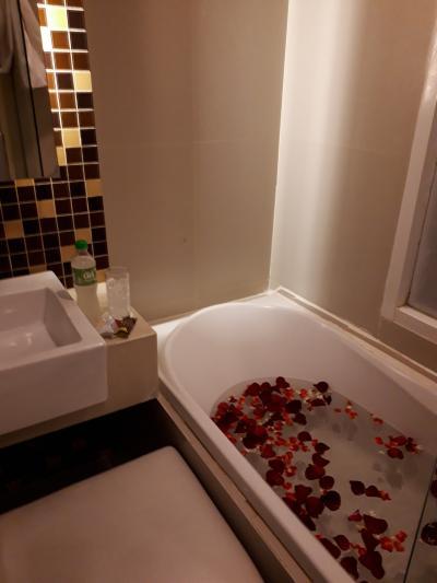 3回バンコク行く予定の2回目☆3日目はサミティベでシミ取りとバラ風呂