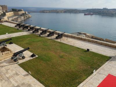 ヴァレッタに上陸。まずはアッパー・バラッカ・ガーデンを攻略。大砲が港を見下ろしているので。