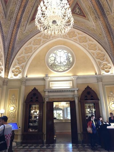 フィレンツェ 2 『世界最古の薬局、サンタ・マリア・ノベッラ薬局』自然派コスメの殿堂に酔う。もう、どんだけー!