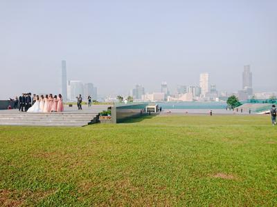 香港★香港島へ ビクトリア湾を眺めながらお散歩 ~添馬公園~