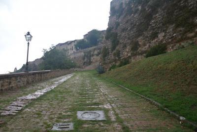 中世の丘の街 コッレ・ディ・ヴァル・デルザ