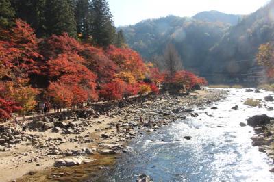 香嵐渓ほかの紅葉となばなの里のイルミネーション