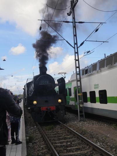 2018.9フィンランド職員旅行2-夕方のヘルシンキ散歩,蒸気機関車とスオメンリンナ往復など