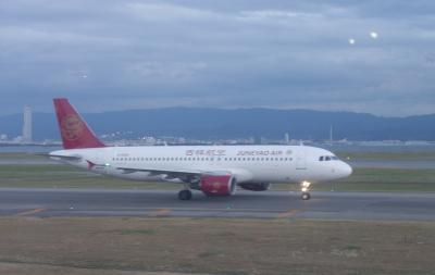 エミレーツEK703便は,関空-名古屋のバスの便。時間通りに走りました。