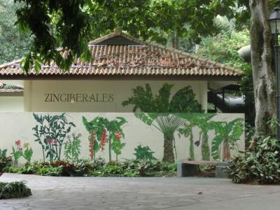 シンガポール動物園とホーカーズでB級グルメ満喫の旅2日目