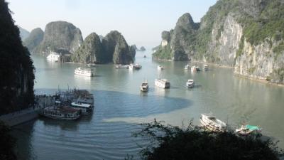 還暦過ぎ夫婦どこか知らない遠くのまちへ<ミャンマー・ベトナム編ベトナム>(11/16~11/26)その6ベトナム・ハロン湾①