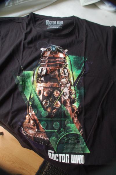 'DOCTOR WHO'の公式ショップ'The Who Shop'でDalekのTシャツを買う