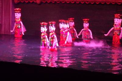 雨のベトナム・・むむ。それでも楽しい、おしゃれ、美味しい、言うことなし!⑤タンロン遺跡に人形劇鑑賞。