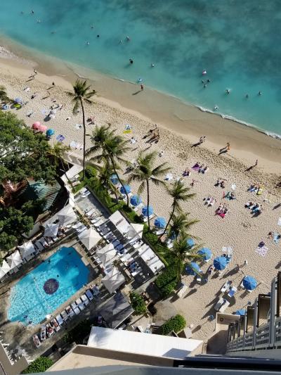 Hawaii☆二人旅☆2018☆《 3日目☆DEAN&DELUCAのハワイ限定ミニトート引換券に行列~モアナ・ラニ・スパ~ビーチでまったり・アラモアナセンター》