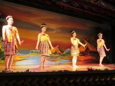 タイ 「行った所・見た所」 バンコクのノパラットでタイ古典舞踊ディナーショー