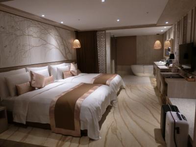 一泊二日で台北へ。 その4  arTree hotel の部屋に。夕飯はホテル近くで火鍋。