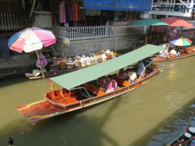 タイ 「行った所・見た所」 バンコク郊外のダムヌンサドゥアック水上マーケットを観光後バンコクセンターホテルのレストランで食事をしました