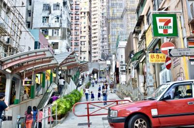 ローカルエリア歩き倒し!? 何はともあれお久しぶりな香港!④ 荷李活道~西環の猫さんに会いに行く。上海蟹を頂いたらもう帰国!そしてお土産公開~。