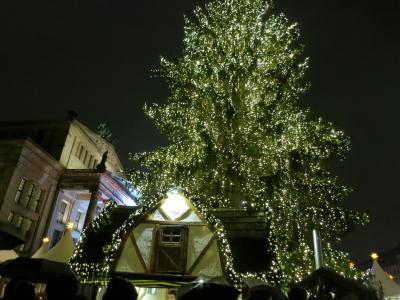 ドイツ北部のたび 2018年12月(1)羽田からフランクフルト経由でベルリンへ(ジャンダルメン・マルクトのクリスマス市、ブランデンブルグ門周辺)