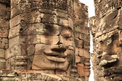 神秘的なクメールの微笑み、アンコールトムのバイヨン寺院