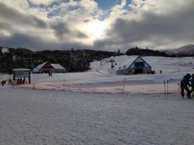 2018-19シーズン 初滑りはキロロ。 雪質には満足、ホテルには大きな不満。 特に、カニかまの海鮮丼。
