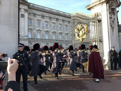 初ロンドン旅行 #2 バッキンガム宮殿、衛兵交代式→大英博物館など