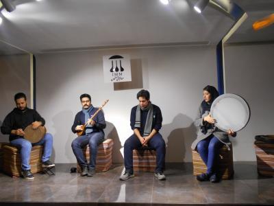 イランの楽器とライブ演奏が楽しめる音楽博物館、なんと楽器は触って音をだしていいんです