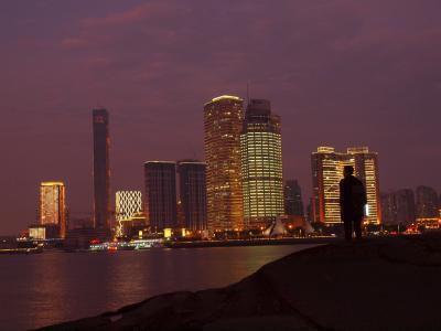 ピンク色に染まる厦門コロンス島 「一席」で素敵なディナー 夜のコロンス島を楽しむ 厦門「五通碼頭」から再び台湾 金門島へ