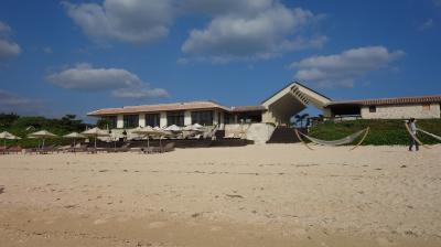 小浜島のホテルの散策。きれいなビーチが魅力的。敷地内もとってもきれいです。