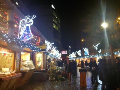 クリスマススマーケットでキラキラのプラハへ(2)土・日はお店がお休みなのでまずはショッピング