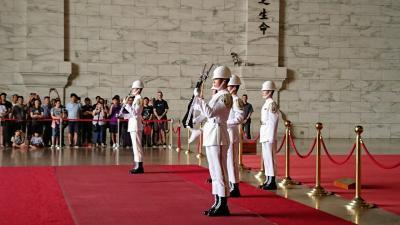 台湾(台北・高雄)5泊6日[4]…絶対おすすめの魯肉飯&衛兵交代式